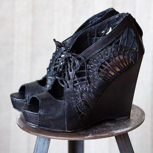 Sam Edelman Kellan Black Leather Wedge Sandal